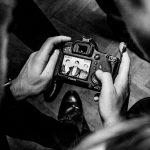 fotografování plesu, jak fotit ples, hokej, HC čerti křepenice, obec křepenice, ples, výhry, prohry,alkohol, skupina RELAX, tombola, černobílé fotky,panáky, bratři