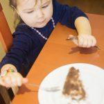 Oslava narozenin Sofie z Berouna, fotograf dětí, jak fotit děti, narozeninový dort