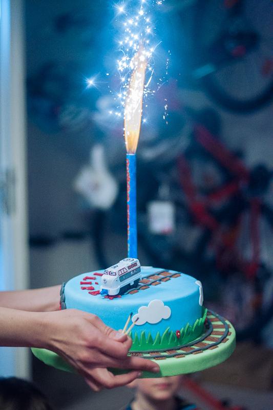 filip, narozeniny,děti, focení oslavy, březiněves, letnany, fitpuls březiněves, filípek má narozeniny, dětský skákací hrad, křenek michal, lentilky, dětské hry,narozeninový dort