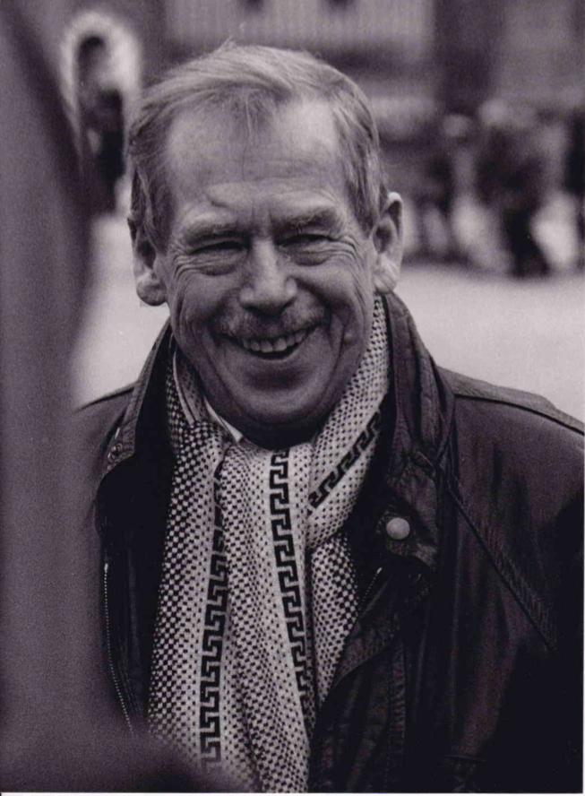Oldřich Škácha, Hradčanské náměstí 2005, minimální příspěvek: 2000 Kč, nejvyšší aktuální nabídka: 4000Kč