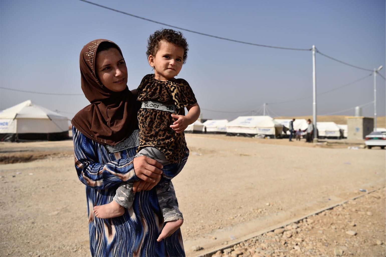 Stanislav Krupař, Arabská matka na útěku z obklíčeného Mosulu, Irák říjen 2016, minimální příspěvek: 3000 Kč