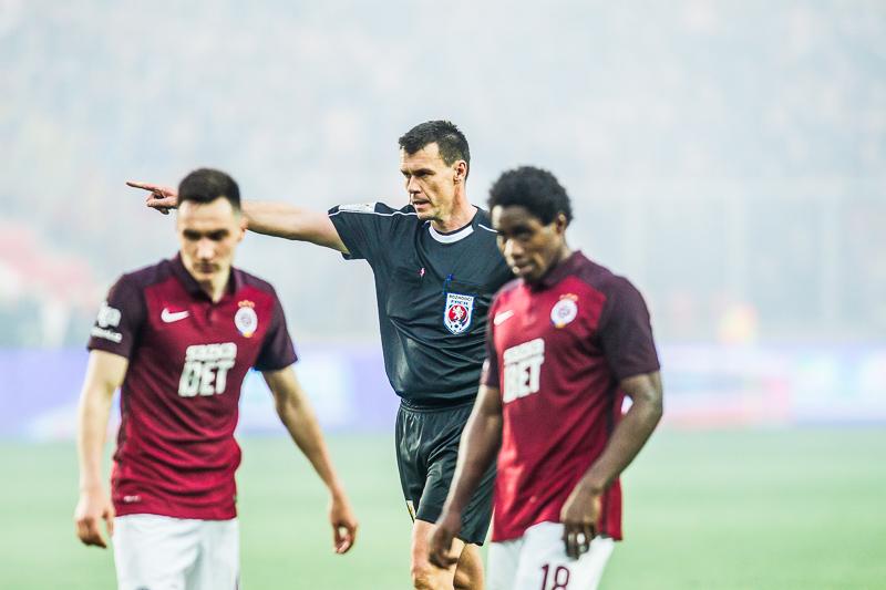 rozhodčí, franěk, fotbal, sparta, slavia, slavie SK, eden, derby, 1:1, penalta, remíza, 2017, spolu jsme silnější, CEFC China, fanoušci, hooligans