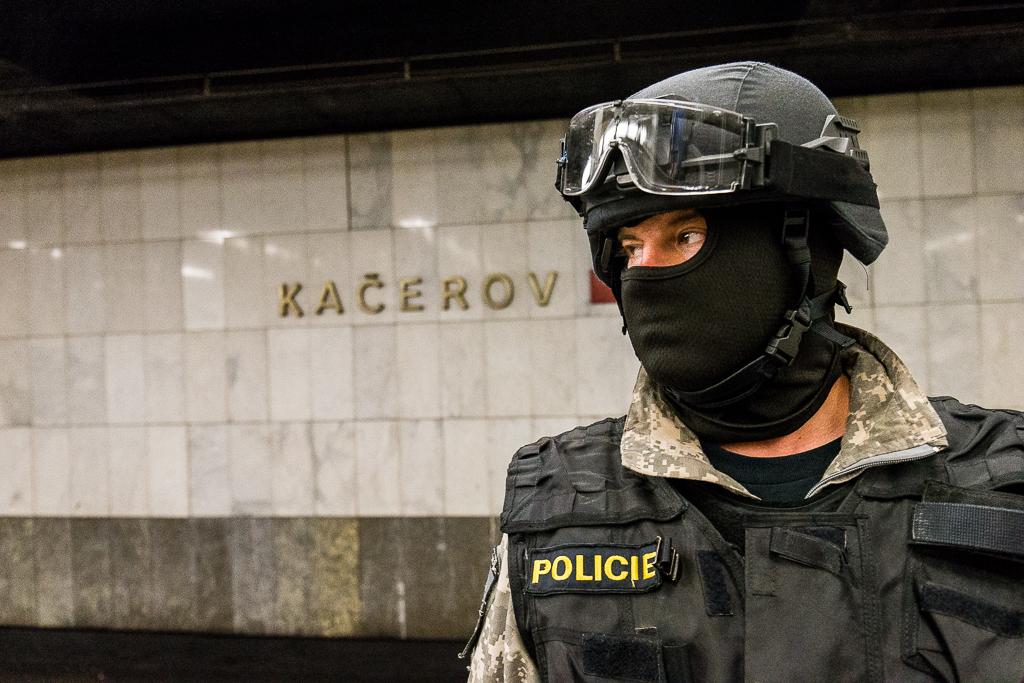 URNA, Metro, P155, 155, IZS, záchranná služba, zásahová jednotka, teroristé, policie, hasiči, hasiči metro, 155, záchranář, praha, metro, kačerov, křenek, michal