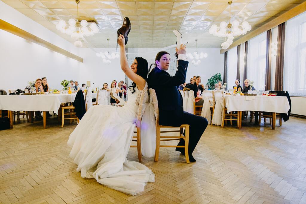 zvyky, svatba, fotograf, svatební, krenek, chotěboř, svatba na louce, pod stromy, dokonalá svatba, 2018, havlíčkův brod, na vysočině, pod širým nebem, rocková svatba,