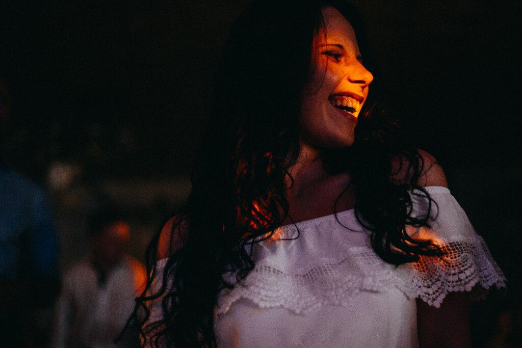nevěsta, svatba, fotograf, svatební, krenek, chotěboř, svatba na louce, pod stromy, dokonalá svatba, 2018, havlíčkův brod, na vysočině, pod širým nebem, rocková svatba,