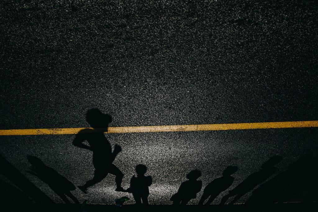 stíny, půlmaraton, half marathon, ústí nad labem, runczech, peacemakers, vodiči, sportovní fotograf, křenek michal, běžec, runner, mattoni