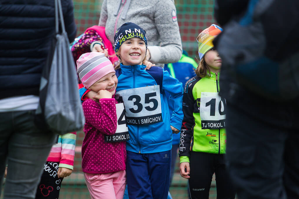 běh mrázovkou, 2018, sokol smíchov, běhej.com, atletika, běžci, křenek michal, medaile