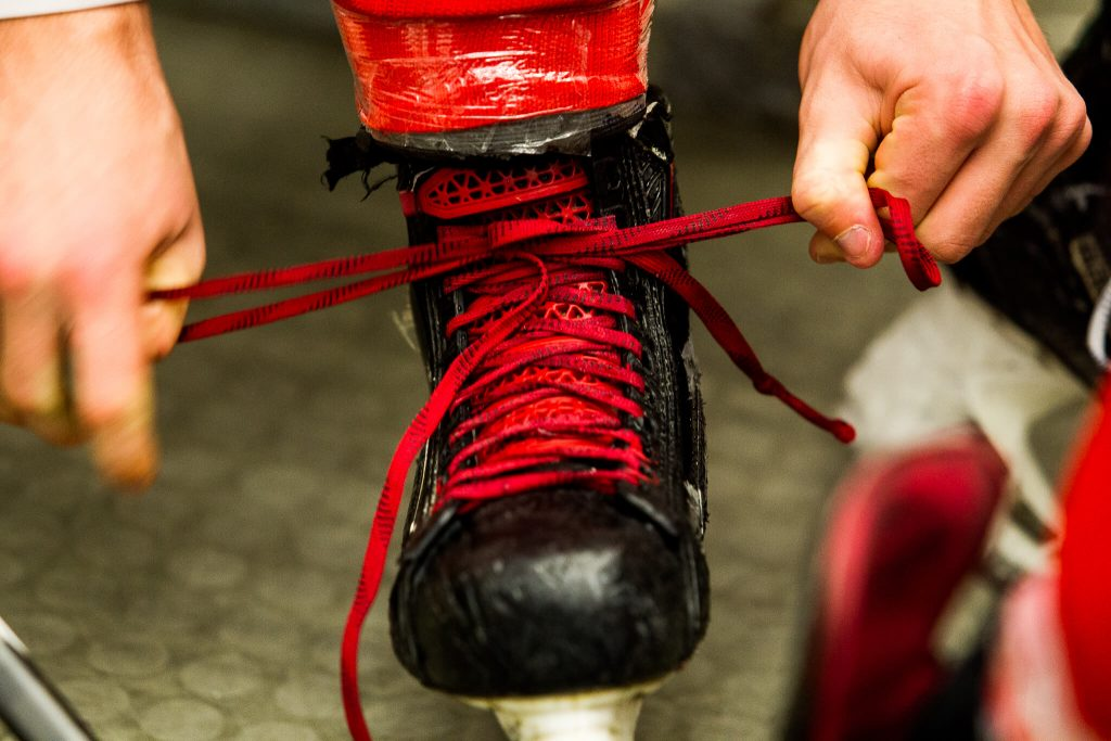 hokej,extraliga, hc slavia, slavie, praha, chomutov, piráti, junioři, poslední zápas, puk, brankář, sportovní fotka, lední hokej,křenek michal