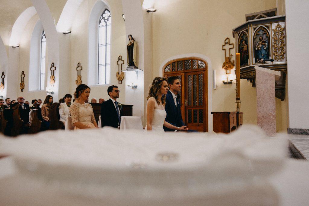 obřad v kostele, svatba, banska bystrica, slovensko, fotograf, kupele sliac, wedding, krenek , destination wedding photographer 2020, slovakia, bratislava, jano, veronika, svatba na slovensku