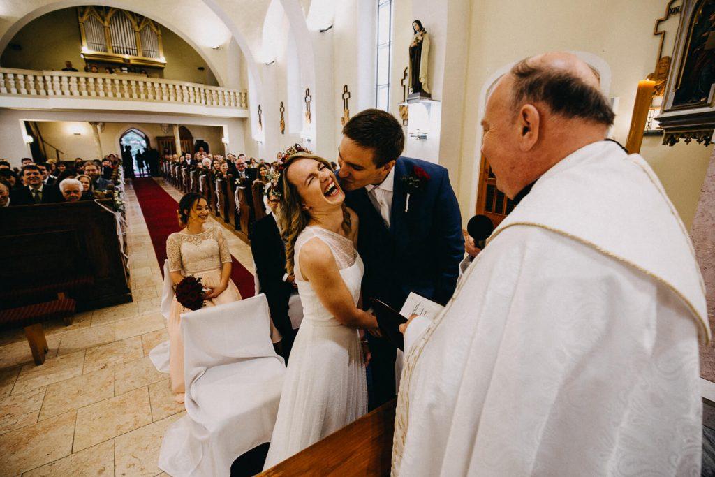 svatba v kostele, svatba, banska bystrica, slovensko, fotograf, kupele sliac, wedding, krenek , destination wedding photographer 2020, slovakia, bratislava, jano, veronika, svatba na slovensku
