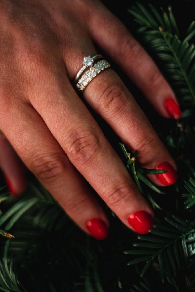 prsteny, malá , komorní, svatba, s dětma, s dětmi, v praze, svatební fotograf, zámek, křenek