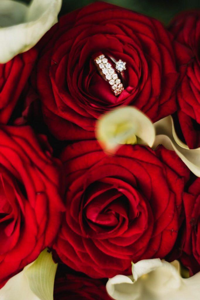 prstýnky, malá , komorní, svatba, s dětma, s dětmi, v praze, svatební fotograf, zámek, křenek