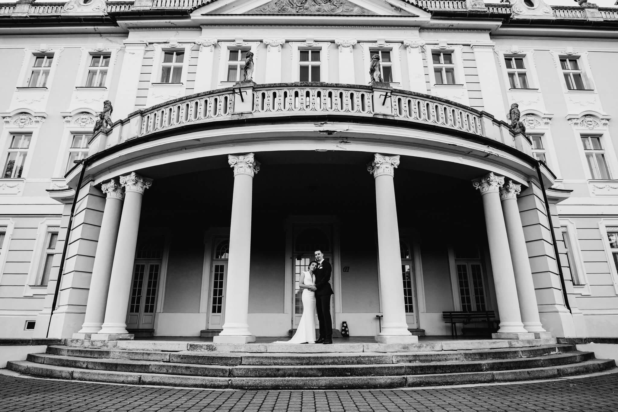 svatba sedlčany, červený hrádek, zámek , svatba na zámku, na farmě, svatby 2019, wedding photographer, křenek michal, sedlčany, novomanželé