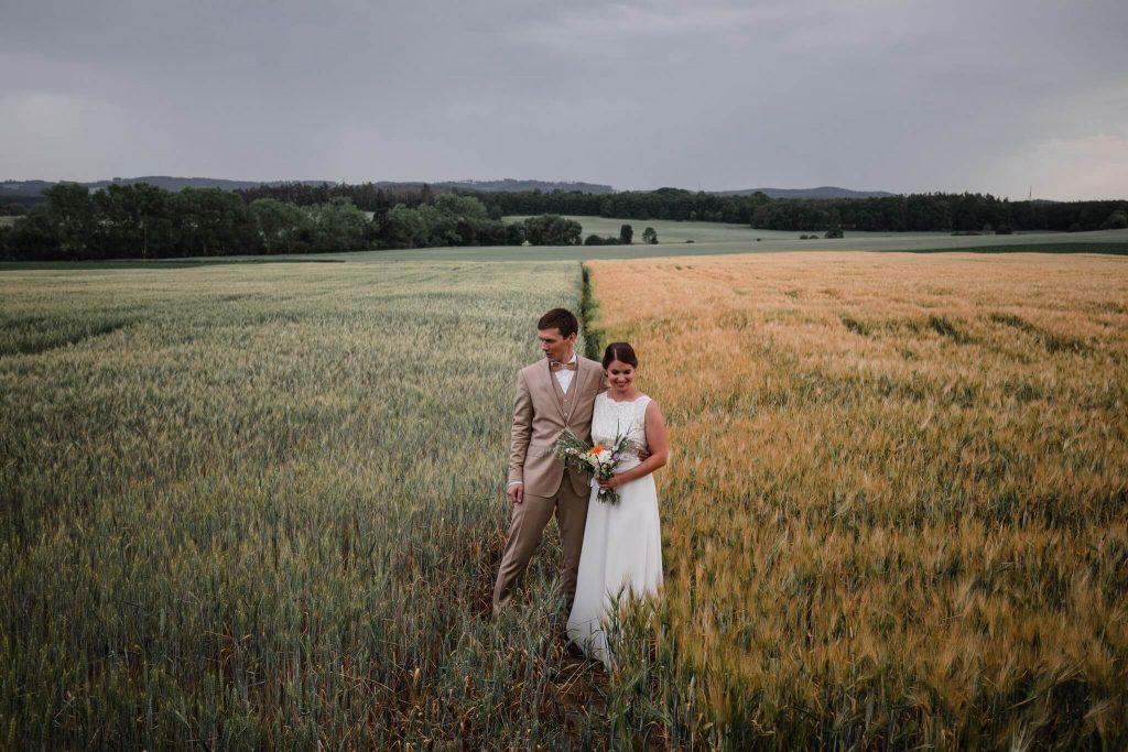 svatba kreativně, v přírodě, svatba, červen, statek, nalžovice, stodola, farma, příroda, svatebmní foto, sedlčany, dokonalé , krásné , perfektní,