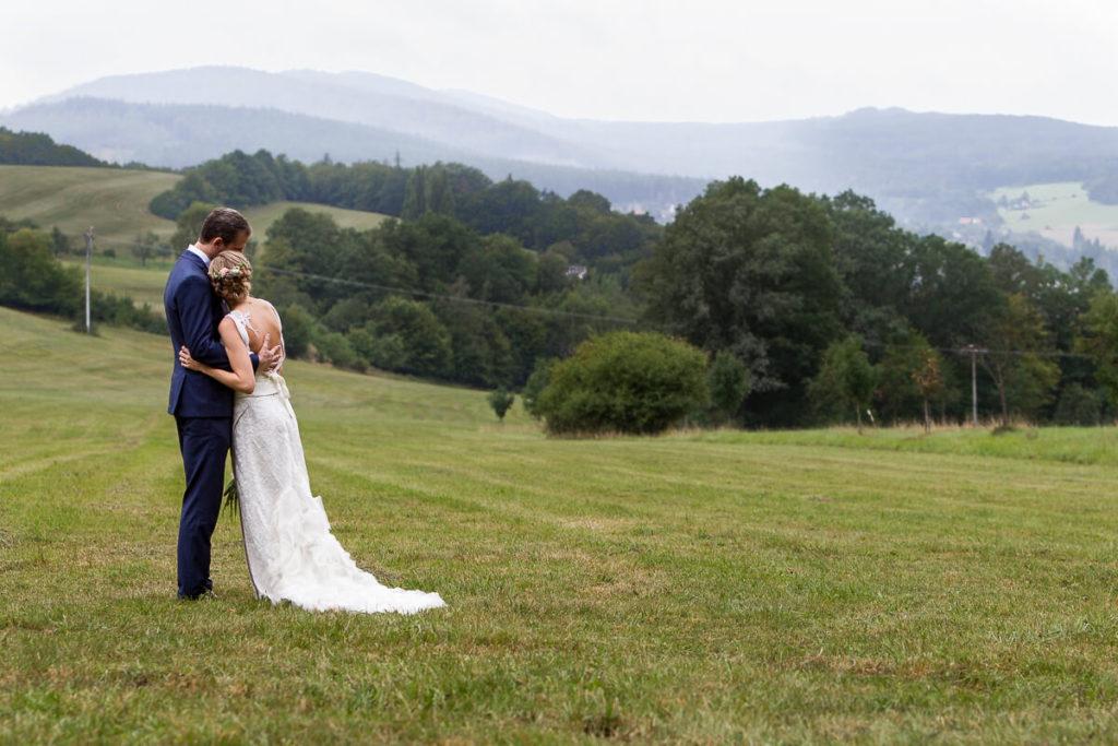 na louce, svatba, boho ,hotel ermi, jince, zdice, beroun, atlet, svatba,