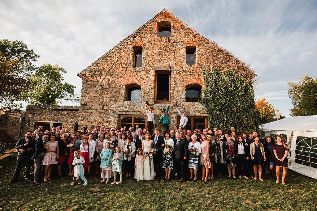 podzímní svatba, svatební fotograf, svatba na statku, nejlepší nejlevnější svatební fotograf, dobrý,svatební fotograf, nalžovice, střední čechy, obřad večer, svatba venku
