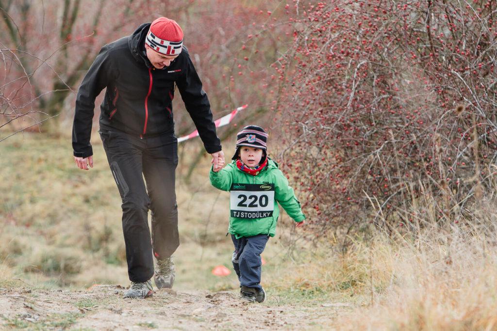před dárkama, běh za ježíškem, atletika, stodůlky, makču pikču, 2019, štědrý den, rodina sportuje,
