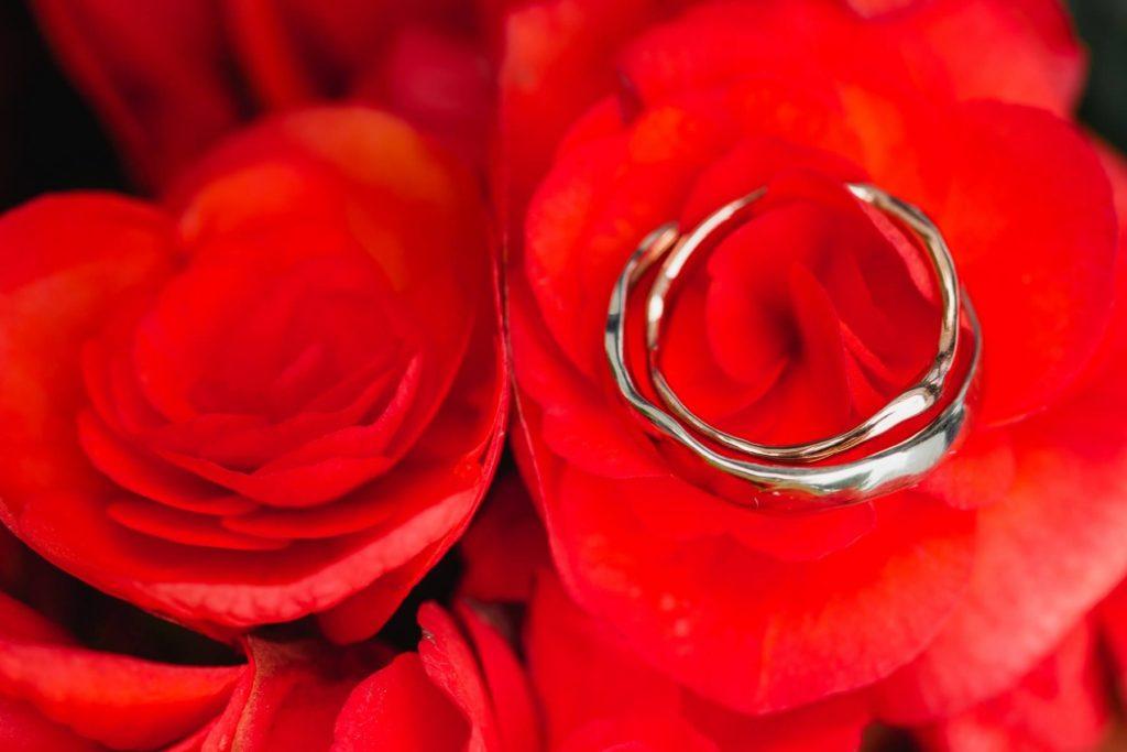 svatební prstýnky pro inspiraci, výběr svatebních prstýnů, snubáky, zásnubáky, svatební zlate, stříbrné prsteny,