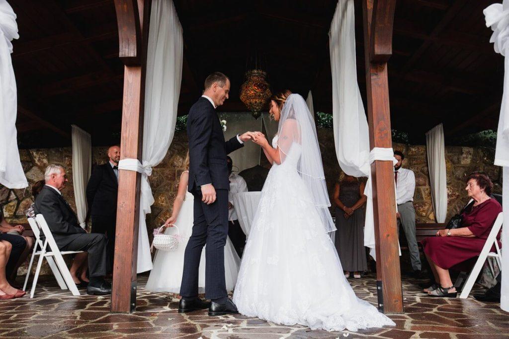 prstýnky, svatba, velké popovičky, park hotel, svatba v říčanech, praha východ fotograf,