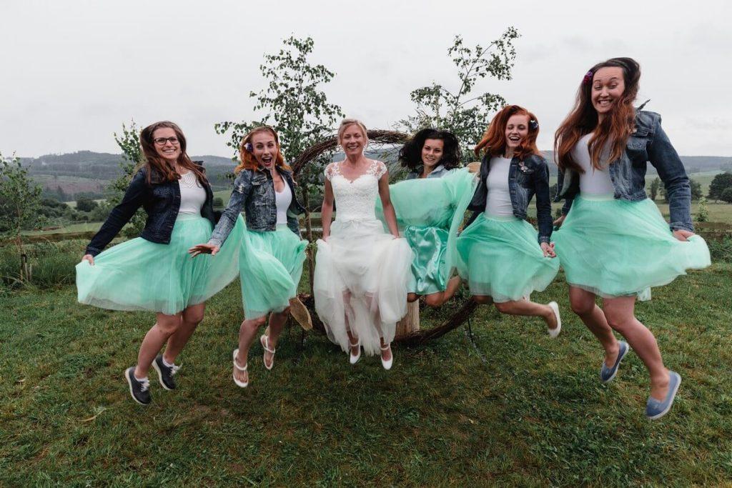 družičky, svatba, organic, farm soběsuky, farma soběsuky, svatba na farmě, domažlicko, plzeňsko, svatební fotograf