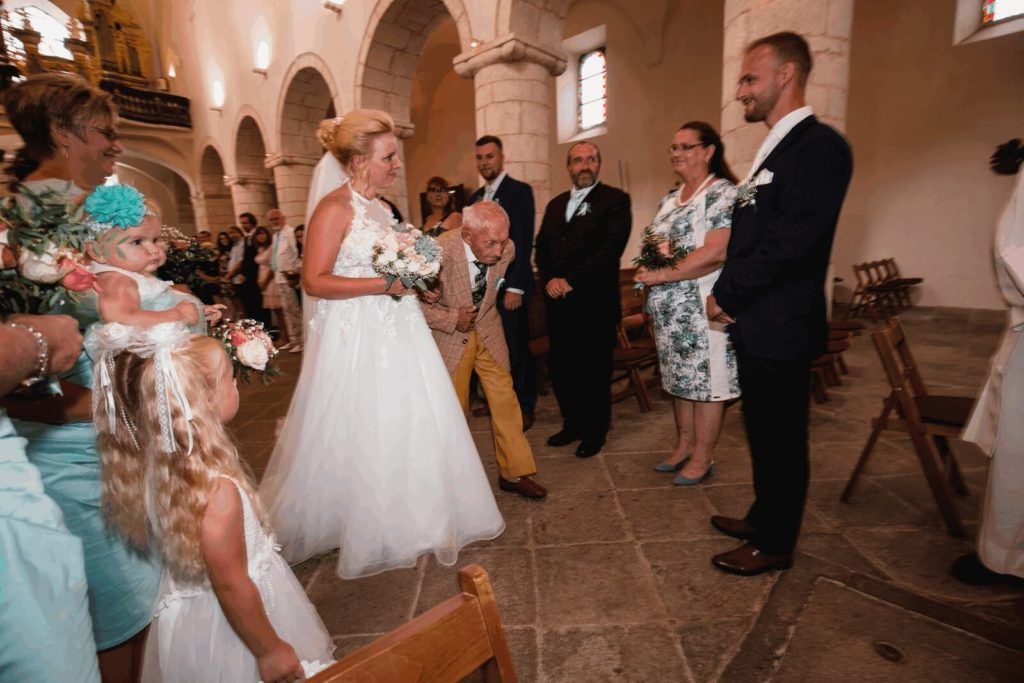 v kostele, svatba, milevsko, , klášter, vesnická svatba, dražka, svatební fotograf nej, krenek,