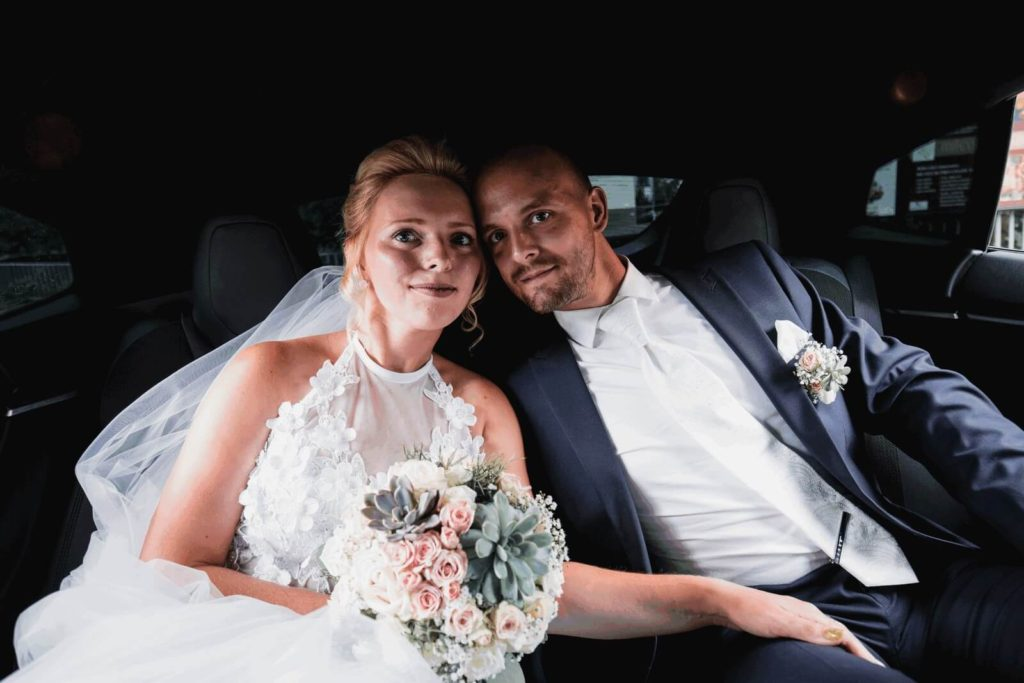 tesla, svatba, milevsko, , klášter, vesnická svatba, dražka, svatební fotograf nej, krenek,