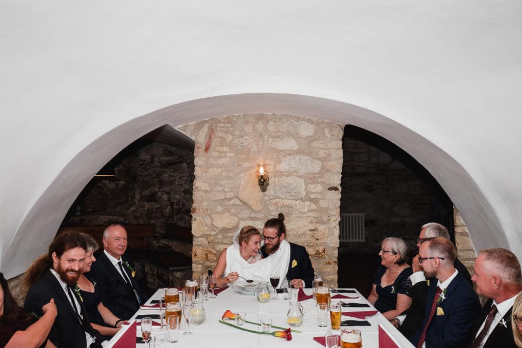 svatební polevka, svatba na břevnově, klášter břevnov, pohodová svatba, 2020, křenek michal, svatební fotograf, svatba, boho,