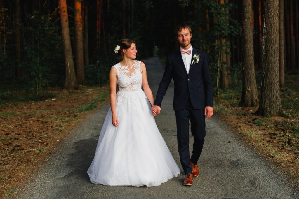 svatba plasy, klaster, letiště , aeroklub, svatba na letiši, křenek, svatební fotograf, svatba podzim, tatra,